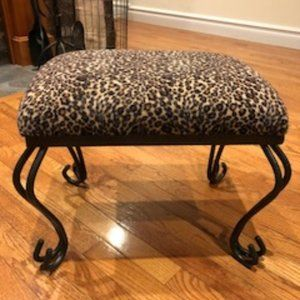 SMALL LEOPARD FOOT STOOL